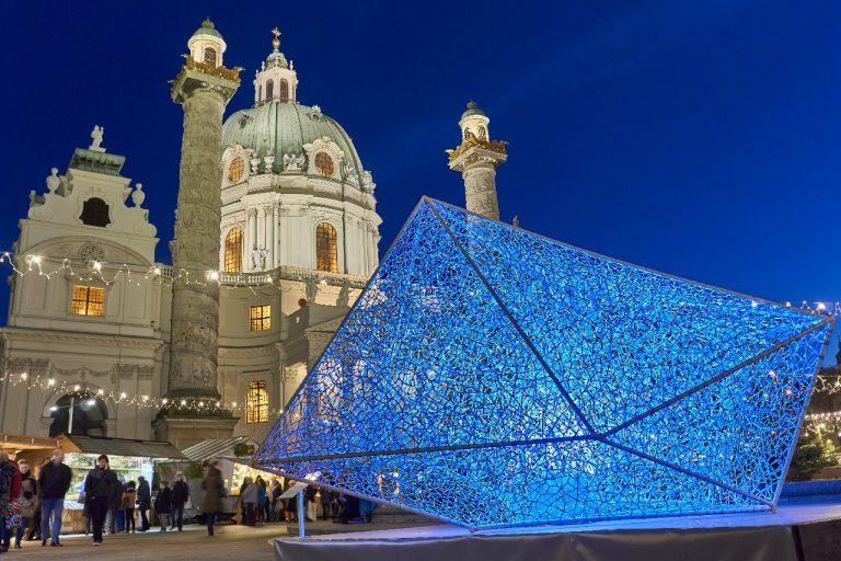 Textiles Kunstobjekt der Oberösterreicherin Maria Treml auf der Kunstinsel - ein tolles Fotomotiv