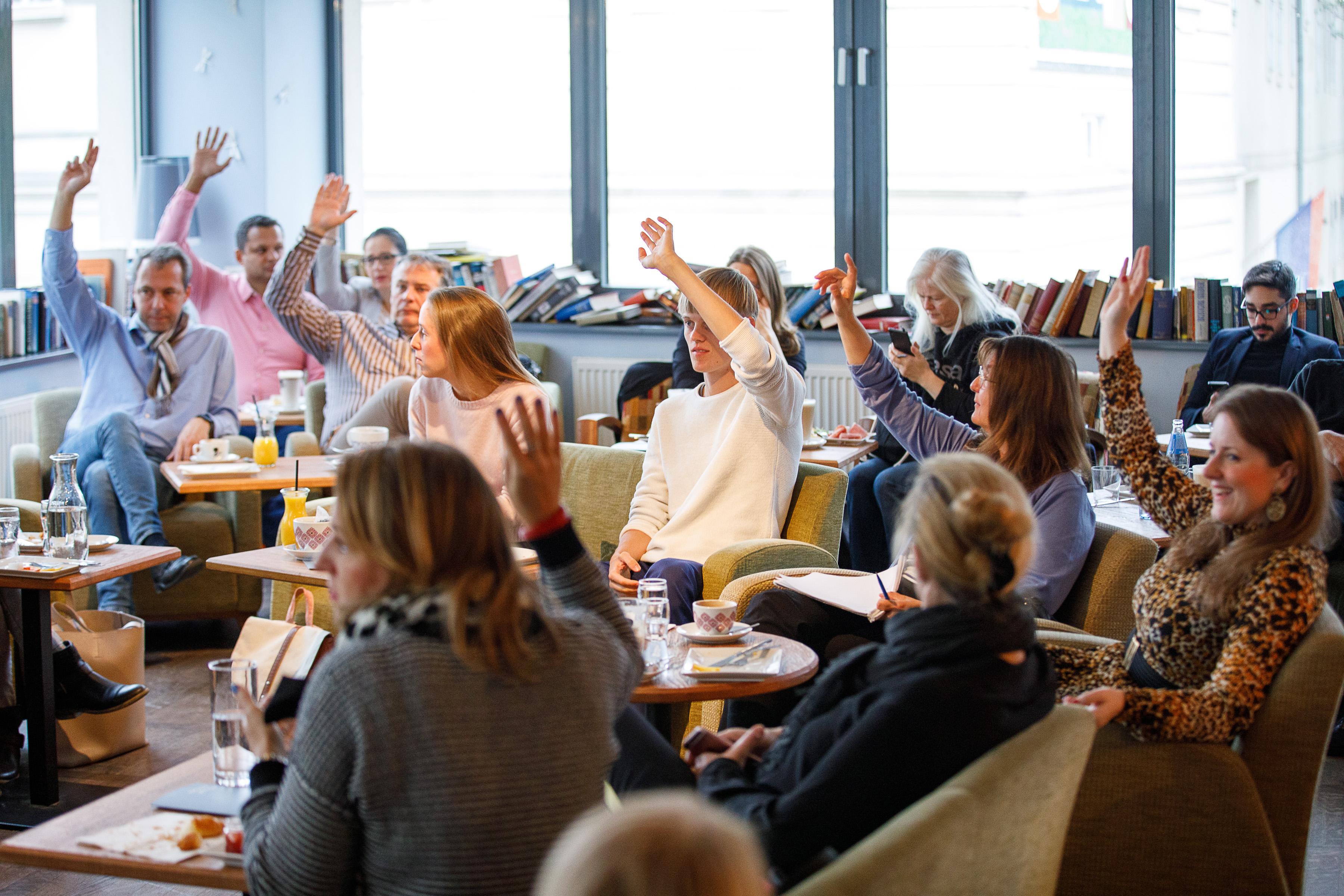 aktive TeilnehmerInnen beim Kreativfrühstück Oktober 2018
